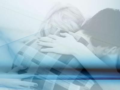 meditazione guidata di coppia gruppo cuore a cuore abbraccio